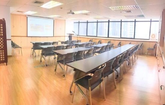 2.Classroom12 meeting room